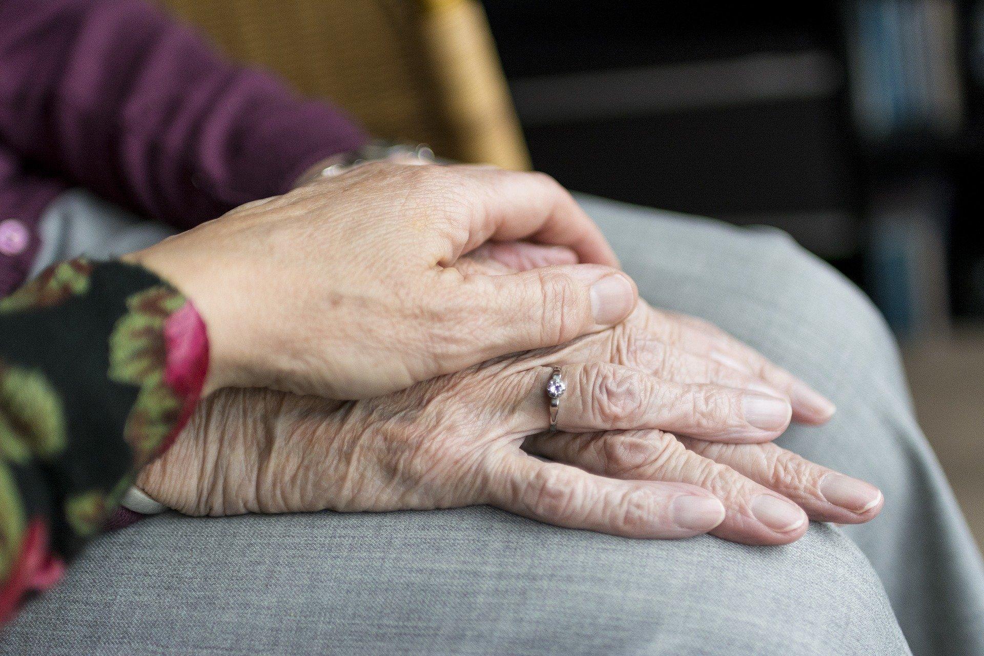 Doença de Alzheimer: o que é, sintomas e tratamento